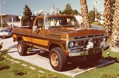 Galpinized 4x4 Lifted Truck