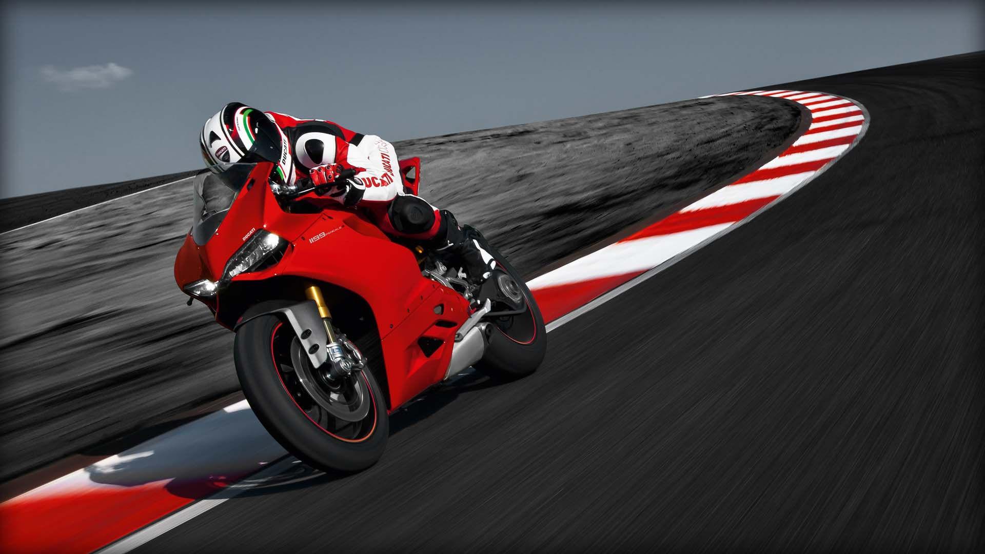 2014 Ducati 1199 PANIGALE S | Ducati 1199 Panigale S - Track