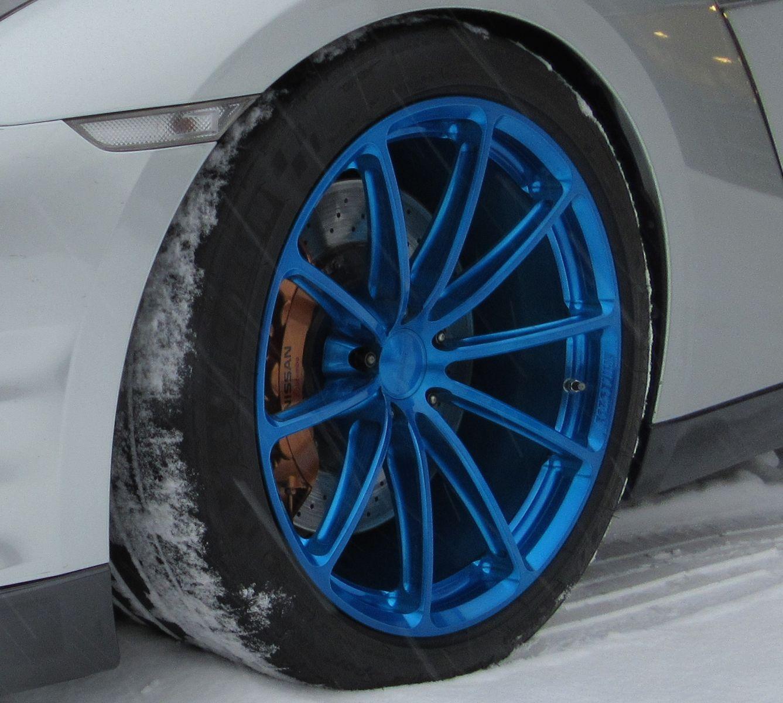 2013 Nissan GT-R |  GT-R on GT1 5-Lug Wheels in Transparent Blue