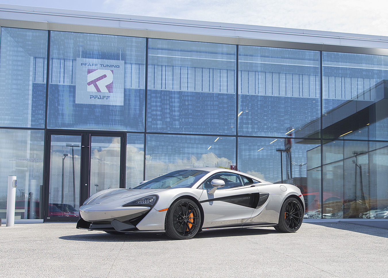 2016 McLaren  | McLaren 570S on Pirelli Trofeo R Tires and Forgeline One Piece Forged Monoblock GT1 5-Lug Wheels!