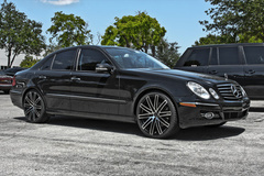 Mercedes E-Class 320 on Ruff Racing R955's