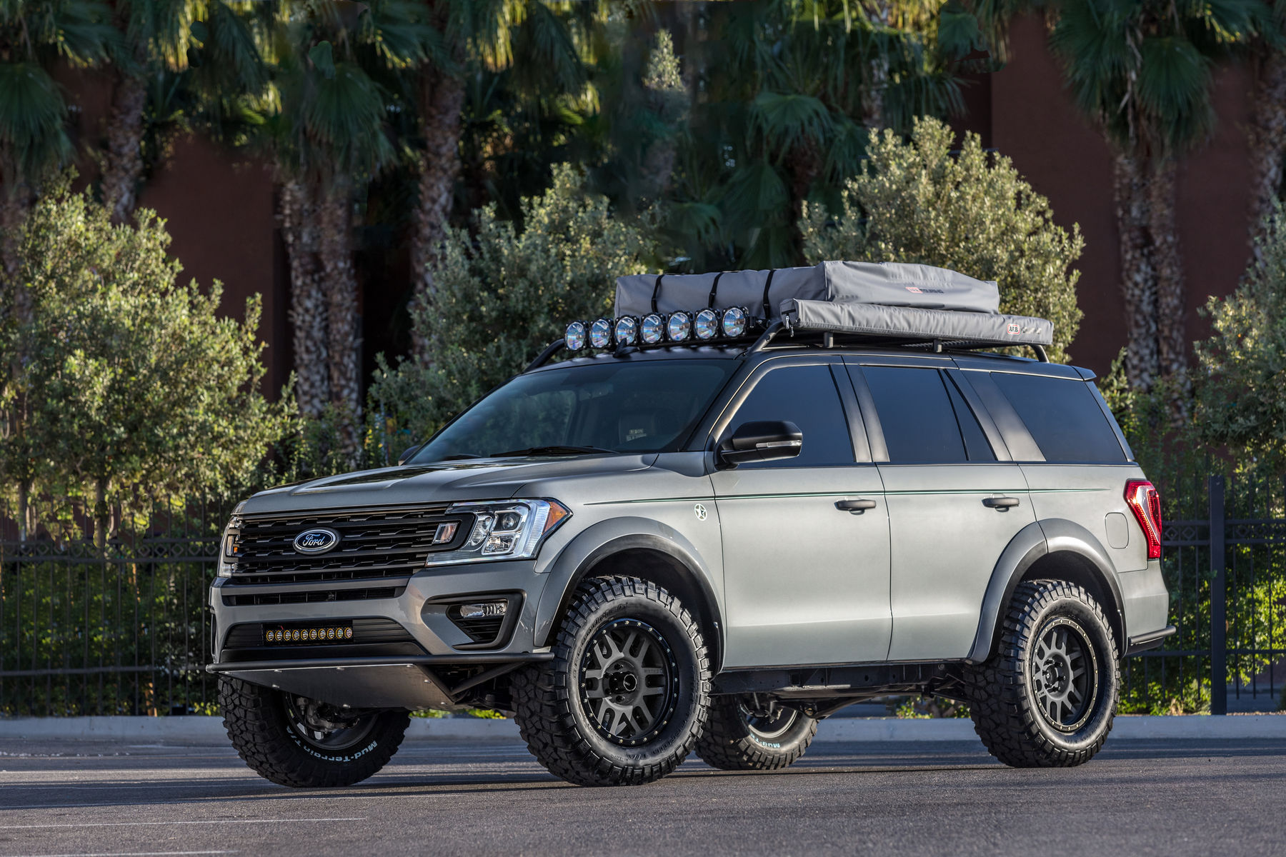 2018 Ford Expedition By Lge Cts Motorsports Stance Shot