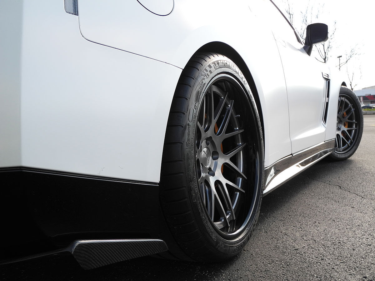 2012 Nissan GT-R | Doug W's Nissan R35 GT-R on Forgeline DE3C Concave Wheels