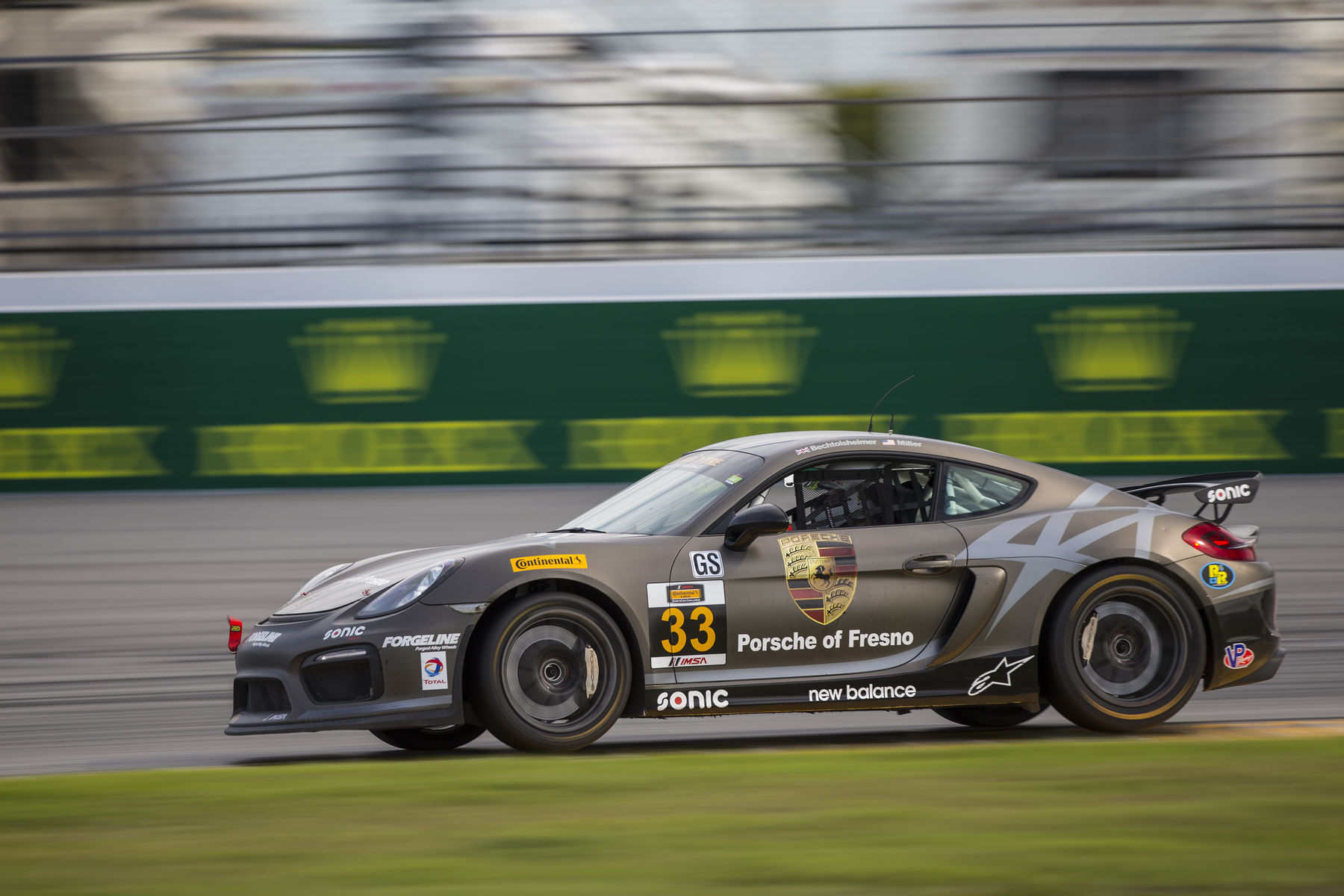 2017 Porsche Cayman | Forgeline-Equipped Porsche Caymans Dominate IMSA CTSC 2017 Season Opener at Daytona