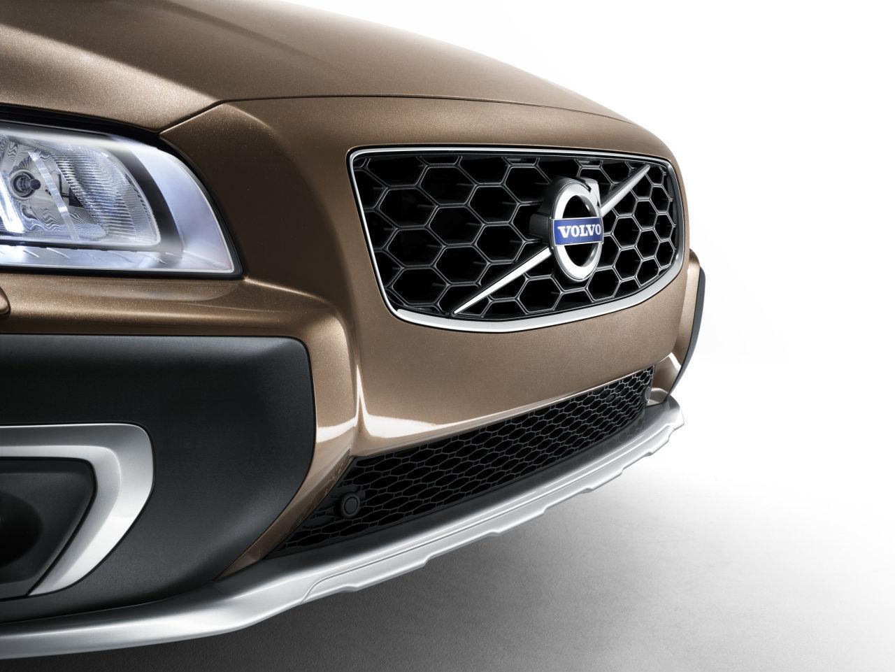 2014 Volvo XC70   2014 Volvo XC70