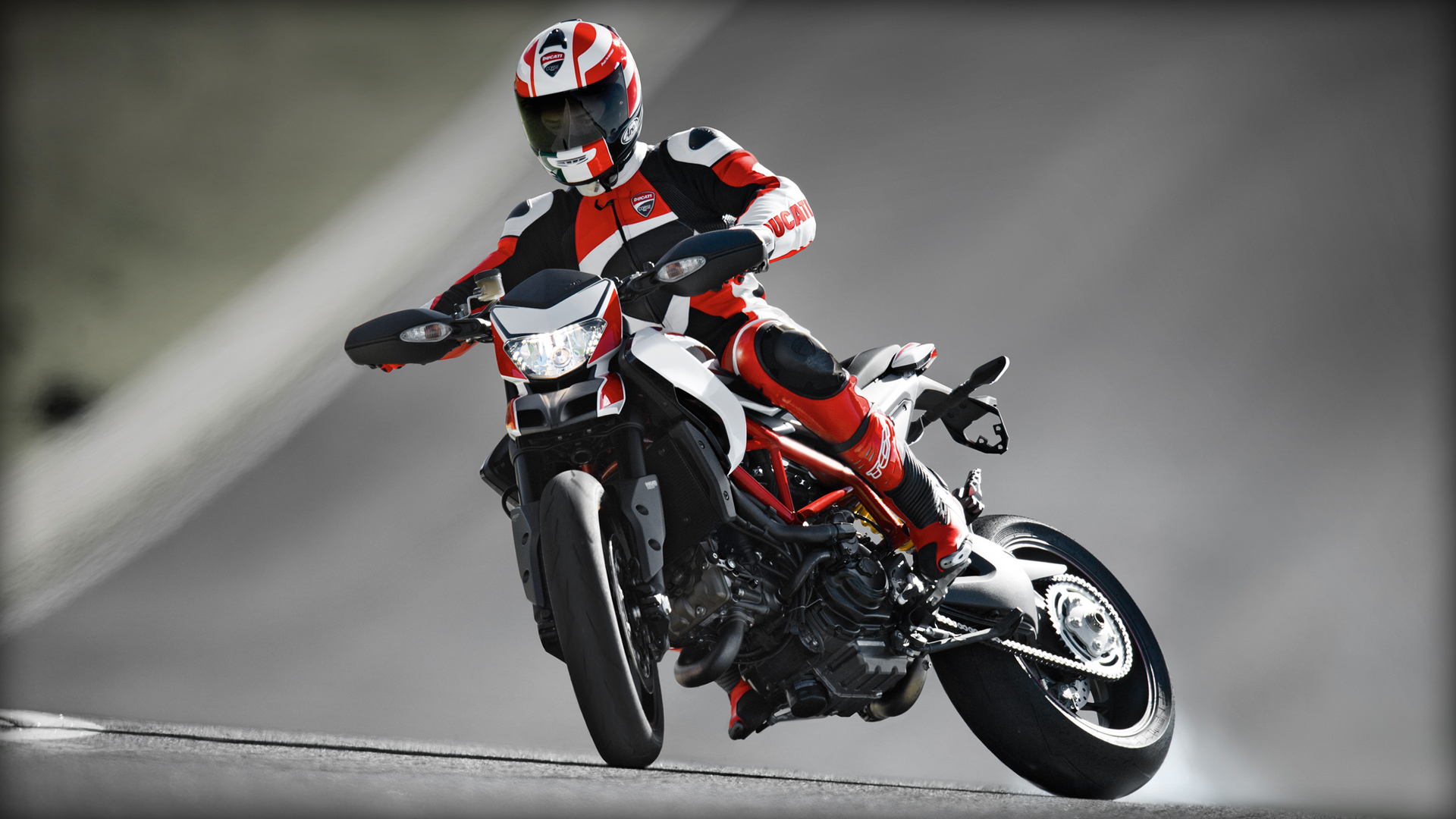 2014 Ducati HYPER MOTORARD 1100 EVO SP | Ducati Hypermotard SP