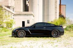 Black Nissan GTR (Godzilla) - Side