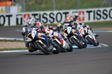 2013 BMW S1000RR | Leading the pack