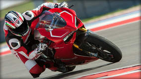 Ducati 1199 Panigale R - Track Racing