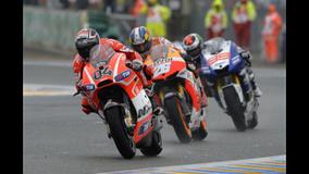 2013 MotoGP - LeMans - Dovi, leads Pedrosa, leads Lorenzo