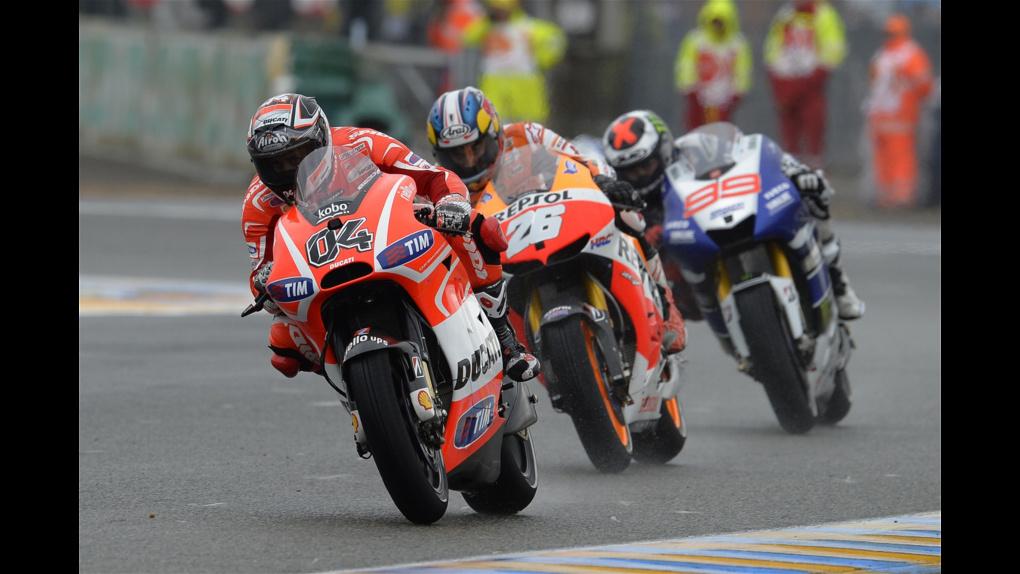 2013 Ducati  | 2013 MotoGP - LeMans - Dovi, leads Pedrosa, leads Lorenzo