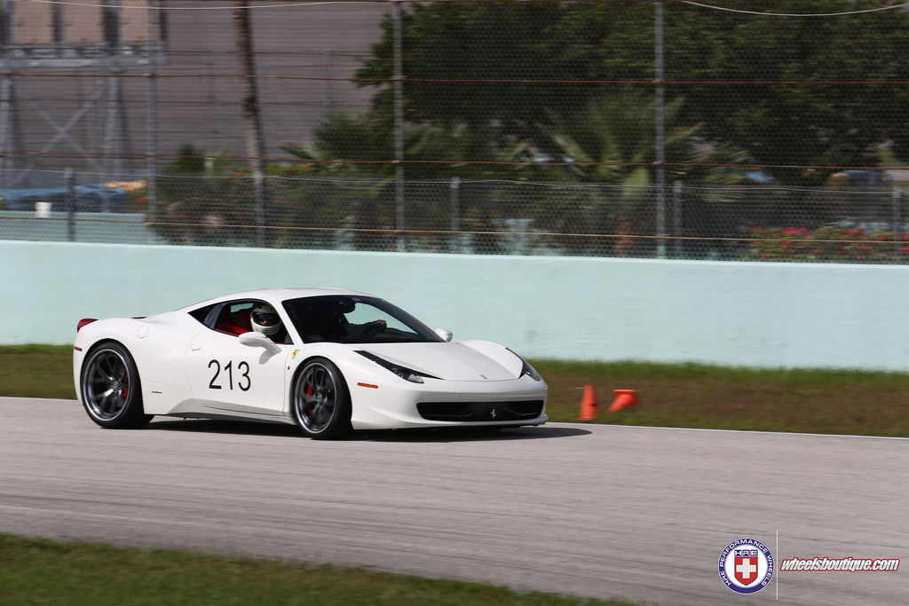 Ferrari 458 Italia | Ferrari 458 on HRE S101 at the Track