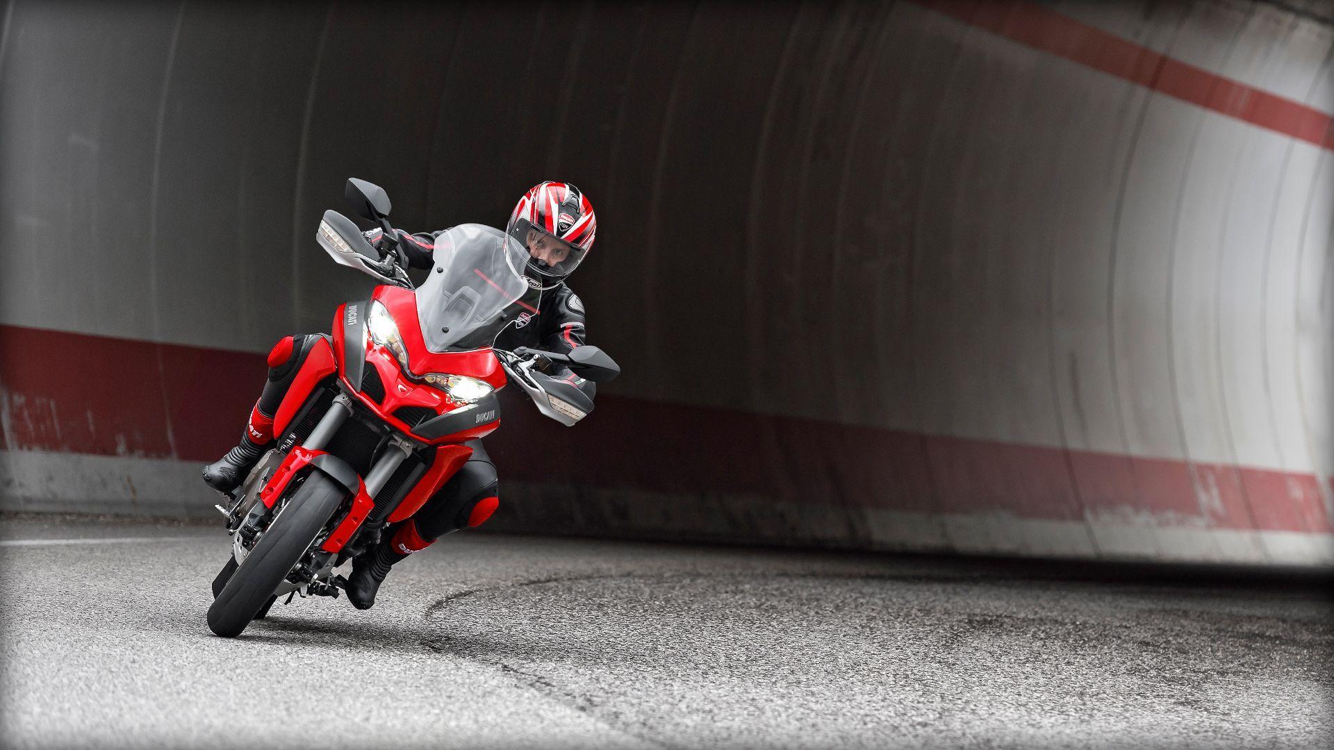 2015 Ducati Multistrada 1200 S | Multistrada 1200 S - Turning