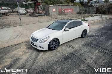 2009 Infiniti G37 Sedan | 2009 Infiniti G37 on Velgen Wheels - Shot From Up Top