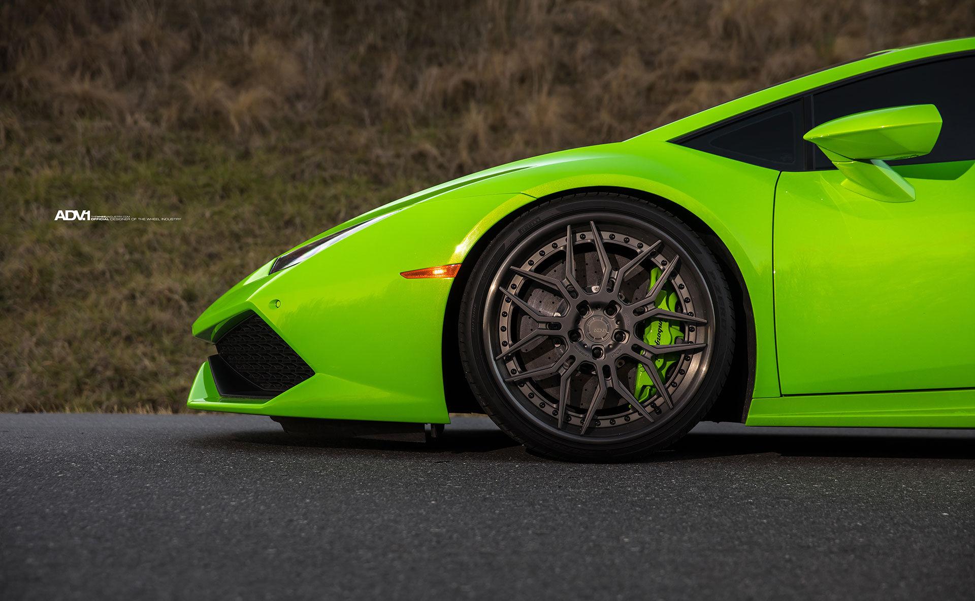 Lamborghini Huracan | Verde Mantis Green Lamborghini Huracan LP610-4 - ADV7 Track Spec CS Series