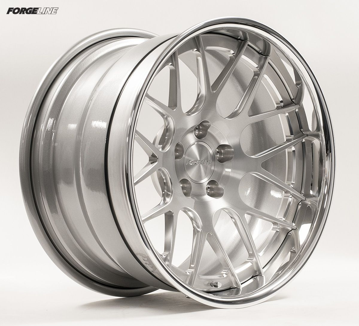 | Forgeline DE3C Concave with Brushed Center and Polished Outer
