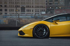Yellow Lamborghini Huracan LP610-4 - ADV.1 ADV10 M.V2 CS Series Gloss Black Wheels