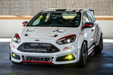 2015 Ford Focus ST | 2015 Rally Innovations Ford Focus ST - Front Profile