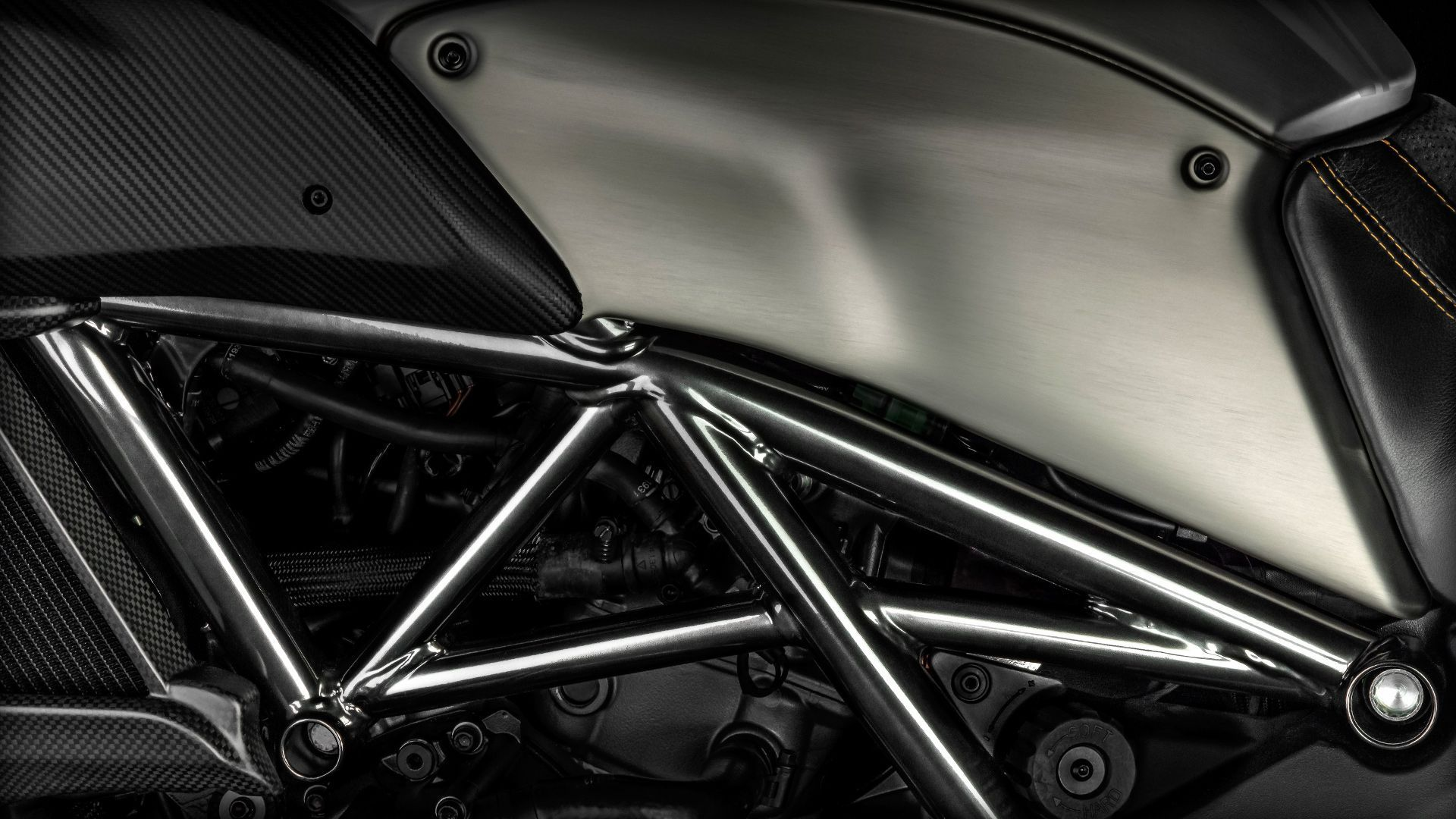 2015 Ducati Diavel Titanium | Diavel Titanium - Technology
