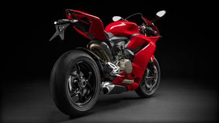 2015 Ducati 1299 Panigale | 1299 Panigale - Exhaust Shot