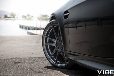 2012 BMW M3 | '12 E92 M3 on Rohana 20's - Wheels Peaking Out
