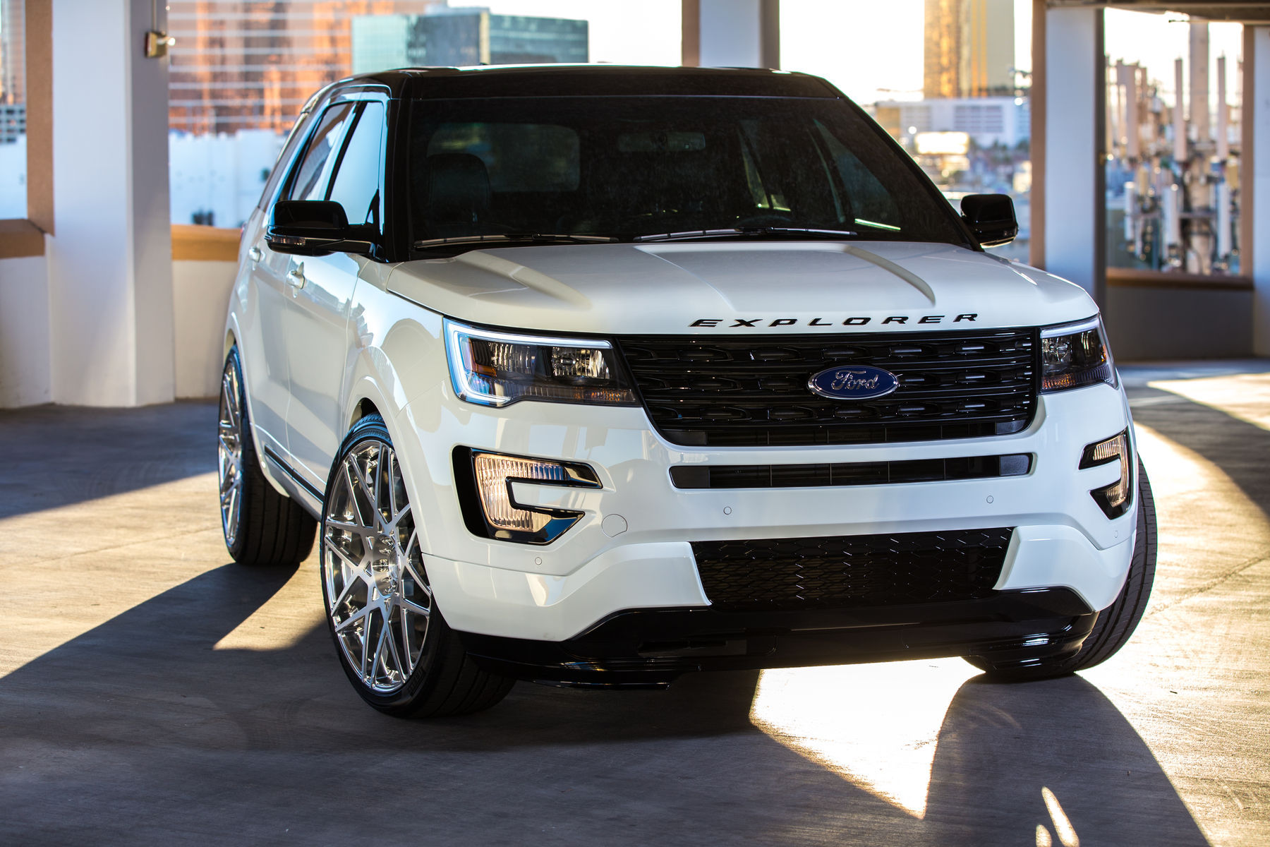 2015 Ford Explorer Sport | 2015 MAD Industries Ford Explorer Sport - Front Shot