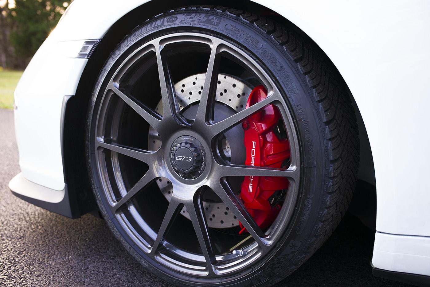 2014 Porsche 911 | Robert Laws' Porsche 991 GT3 on Center Locking One Piece Forged Monoblock Forgeline GA1R Wheels