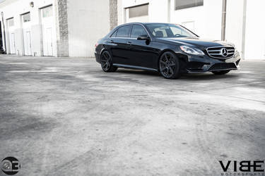 Mercedes E350 on Vertini Dynasty Wheels - Side Angle Shot