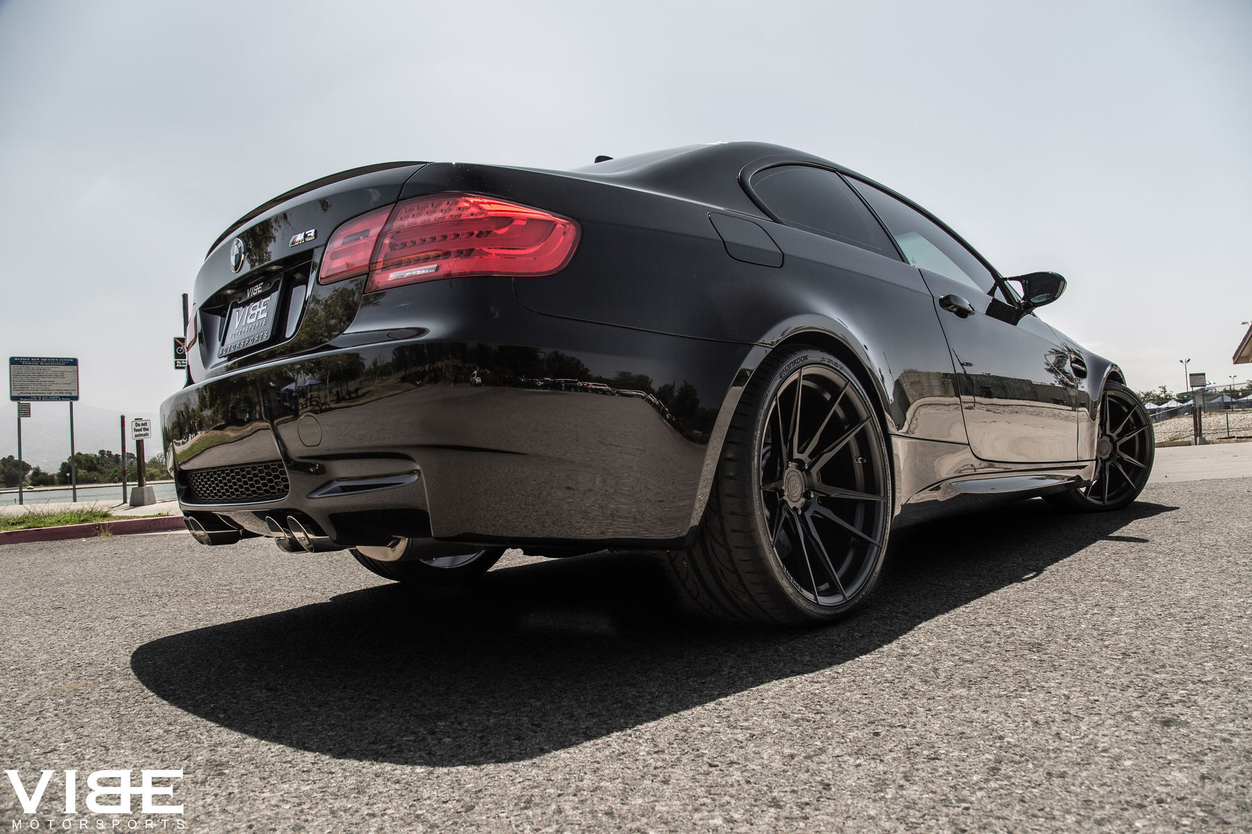 2012 BMW M3 | '12 E92 M3 on Rohana 20's - Low Rear Shot