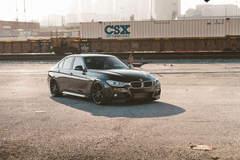 BMW 330i - Locomotion Shot