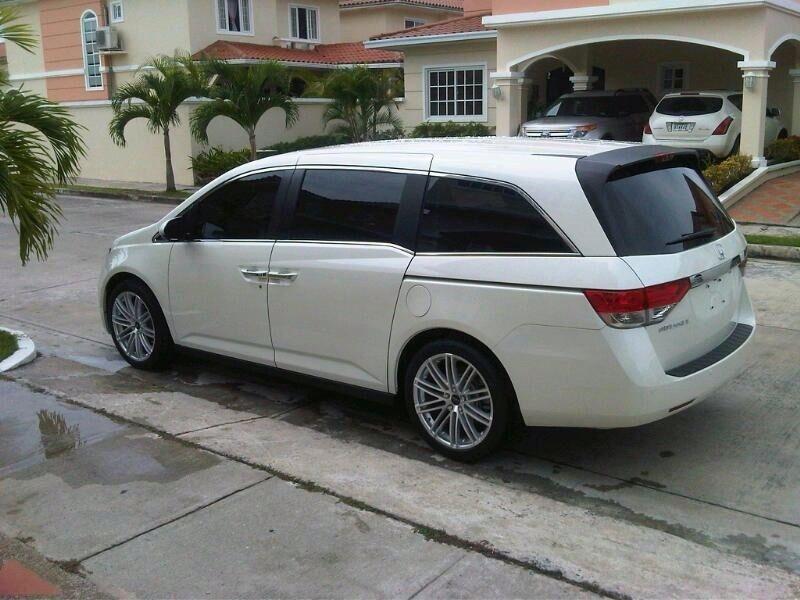 2010 Honda Odyssey | Honda Odyssey on Ruff Racing R955's