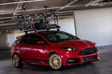 2015 Ford Focus ST | 2015 COBB Tuning Ford Focus ST - Indoor Photo Shoot