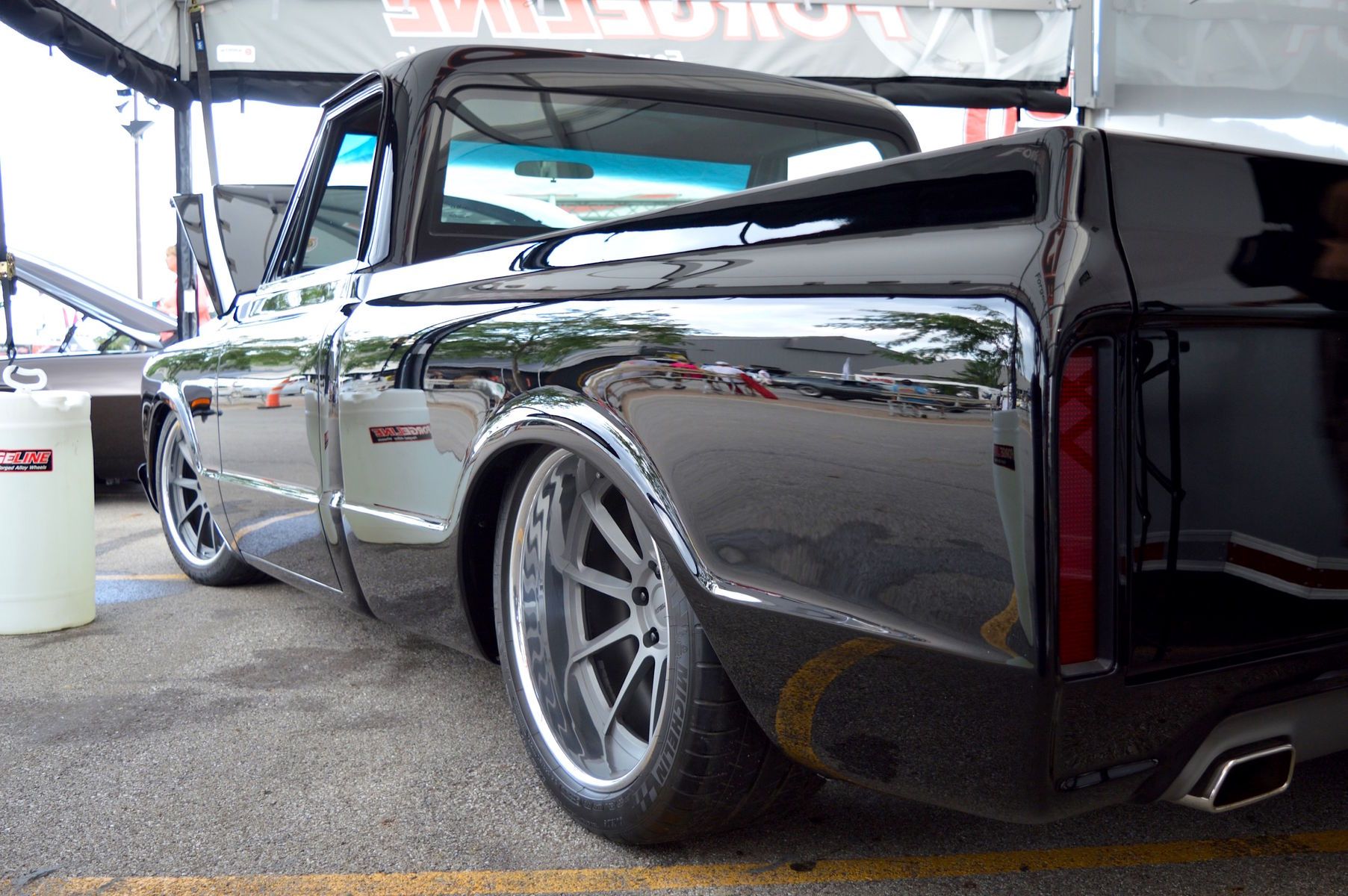 1970 Chevrolet C-10 | Steve & Danielle Locklin's '70 Chevy C10 on Forgeline RB3C at Goodguys 20th PPG Nationals