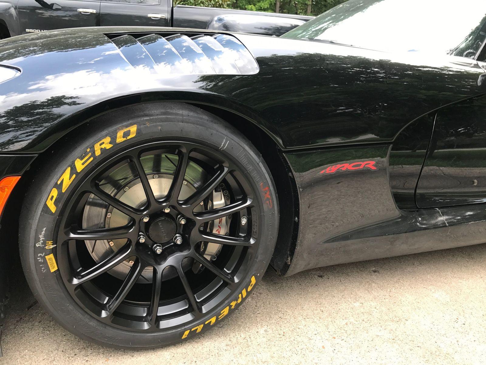 2016 Dodge Viper | Luke Mcgrew's Dodge Viper ACR Extreme on Forgeline One Piece Forged Monoblock GTD1-Viper Wheels