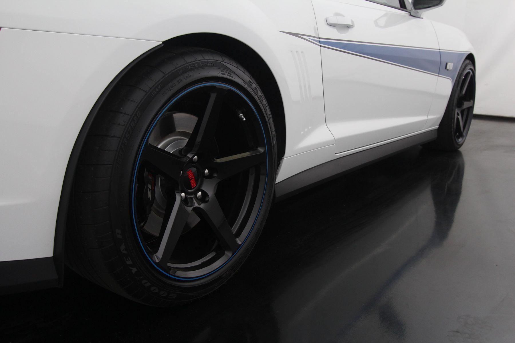 2014 Chevrolet Camaro   Julie Barker's HOT ROD Edition ZL1 Camaro on Forgeline One Piece Forged Monoblock CF1 Wheels