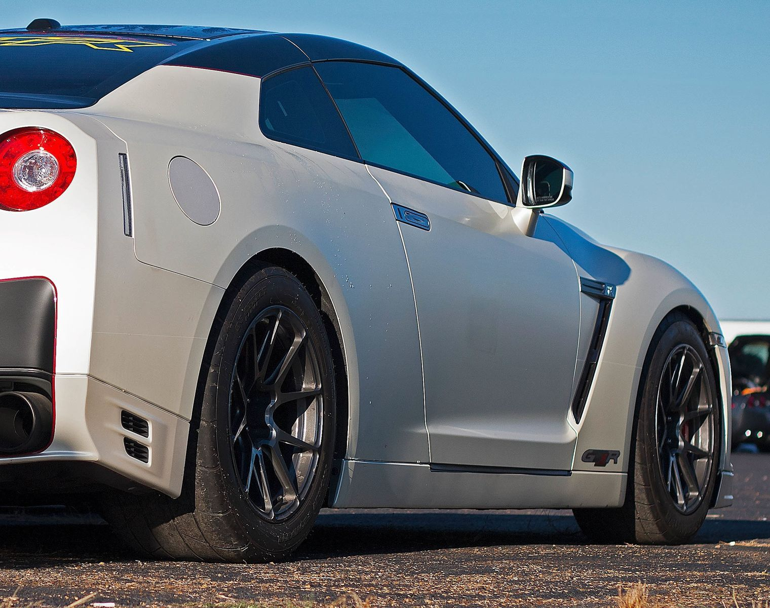 2012 Nissan GT-R | Rob's 1200whp Nissan GT-R on Forgeline One Piece Forged Monoblock GA1R Open Lug Wheels