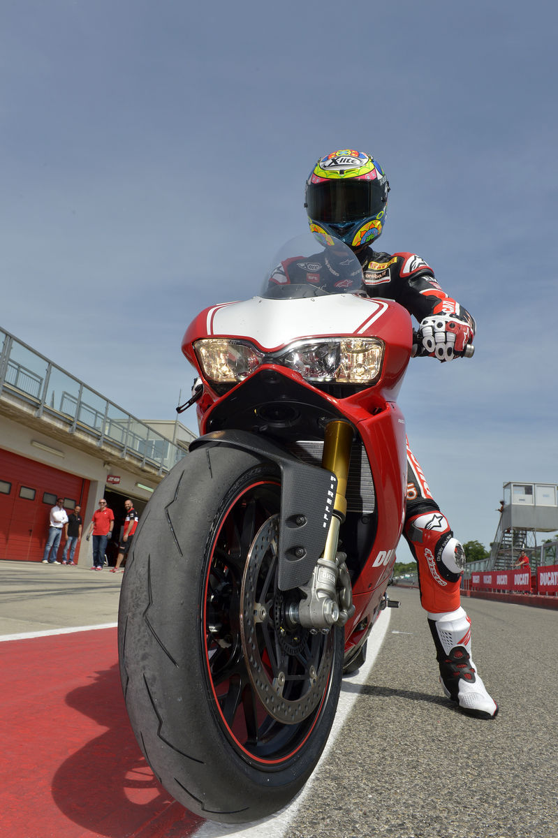 2016 Ducati Panigale R | Panigale R - Race Ready