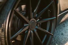 BMW 330i - Wheel Close-up