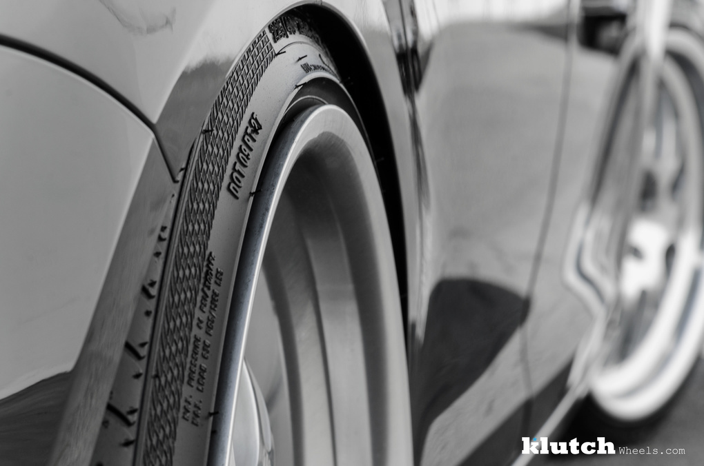 2010 Volkswagen Jetta   '10 VW Jetta Wagon on Klutch SL14's
