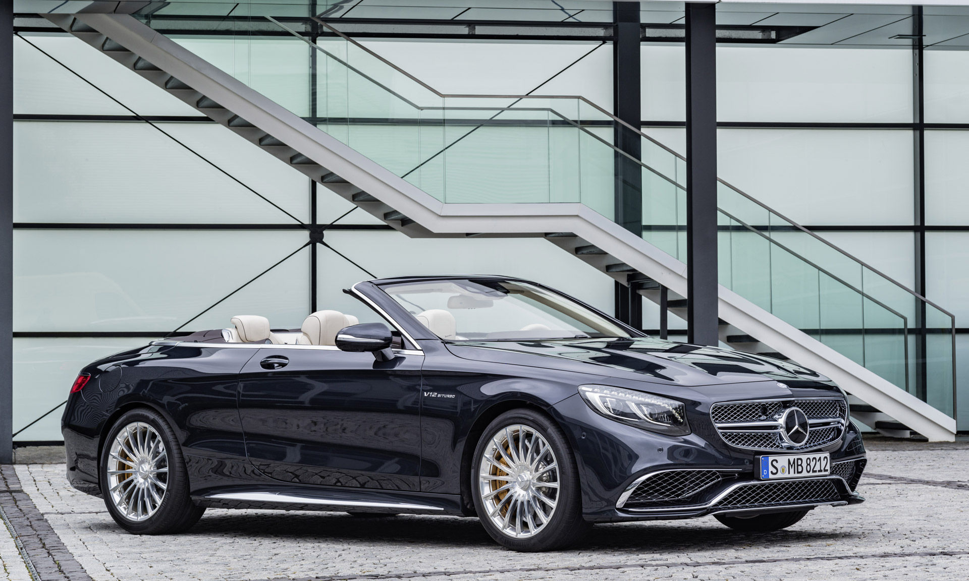 2017 Mercedes-Benz S-Class | 2017 Mercedes-AMG S65 Cabriolet