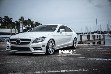 "2014 Mercedes-Benz CLS-Class | OUR CLIENT'S MERCEDES CLS550 WITH 20"" VOSSEN CVT WHEELS"