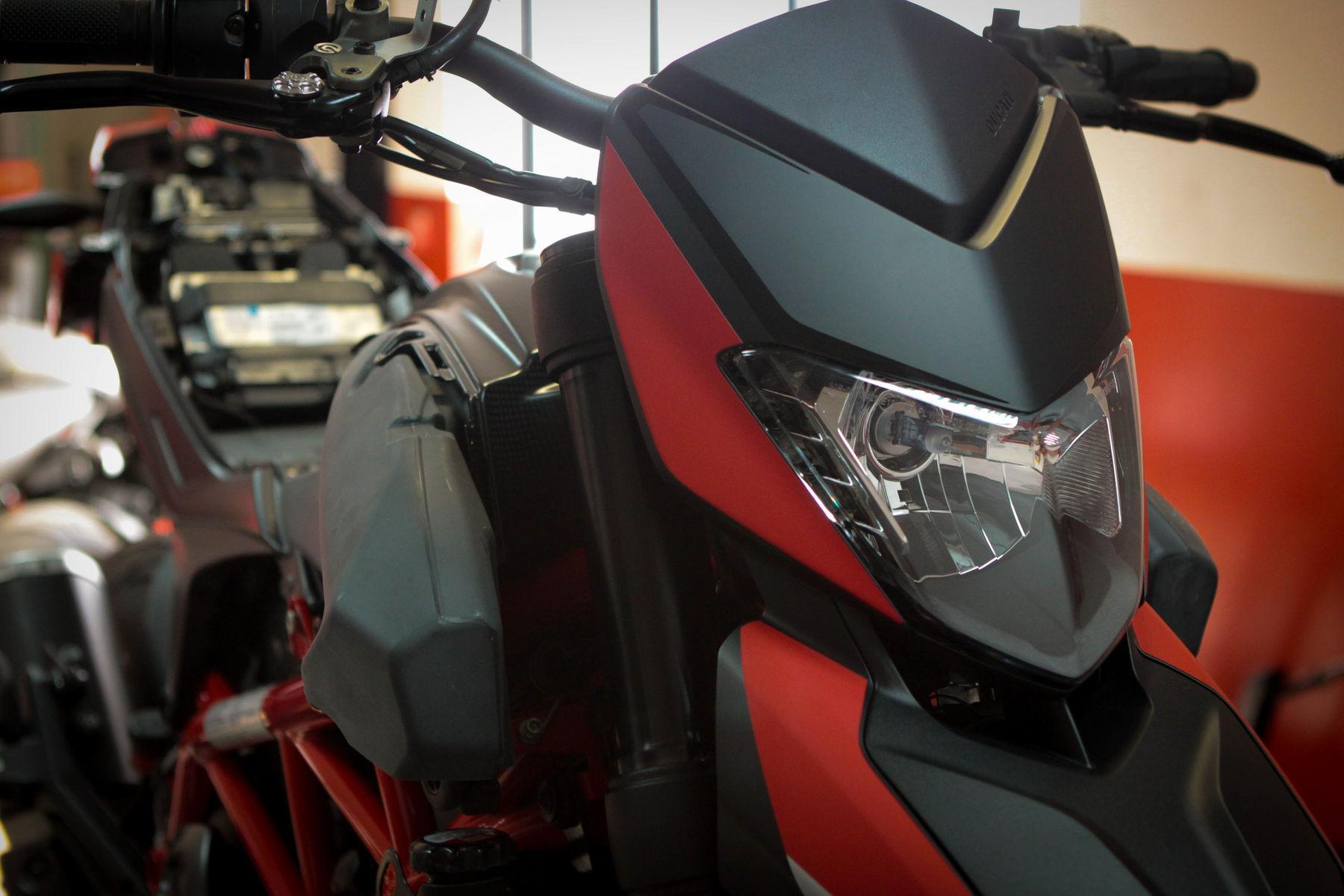 2013 Ducati HYPERMOTARD 821 SP   Bullitt SP