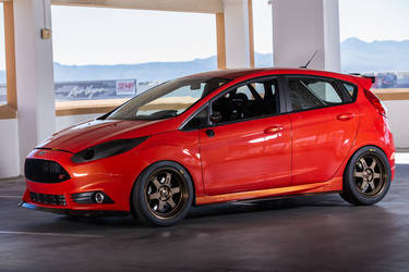 2015 Ford Fiesta ST | 2015 DSPORT Magazine Ford Fiesta ST - Side Profile Shot