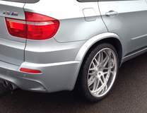 BMW X5M on 22-inch Forgeline DE3P Wheels