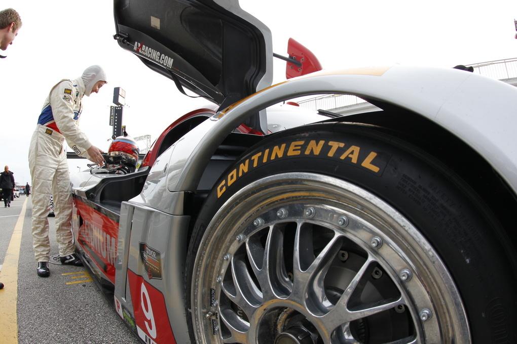 | Getting the car ready go, fresh air in their Continental Tires